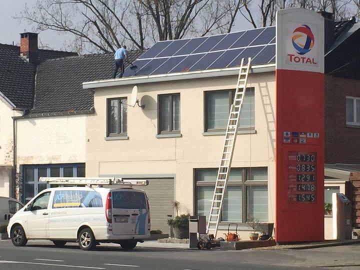 service de nettoyage des panneaux photovolta ques en belgique. Black Bedroom Furniture Sets. Home Design Ideas